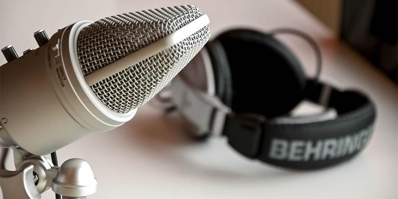 mikrofón so slúchadlami