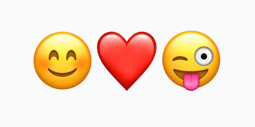tri emotikony - úsmev, srdce, žmurkajúca hlava